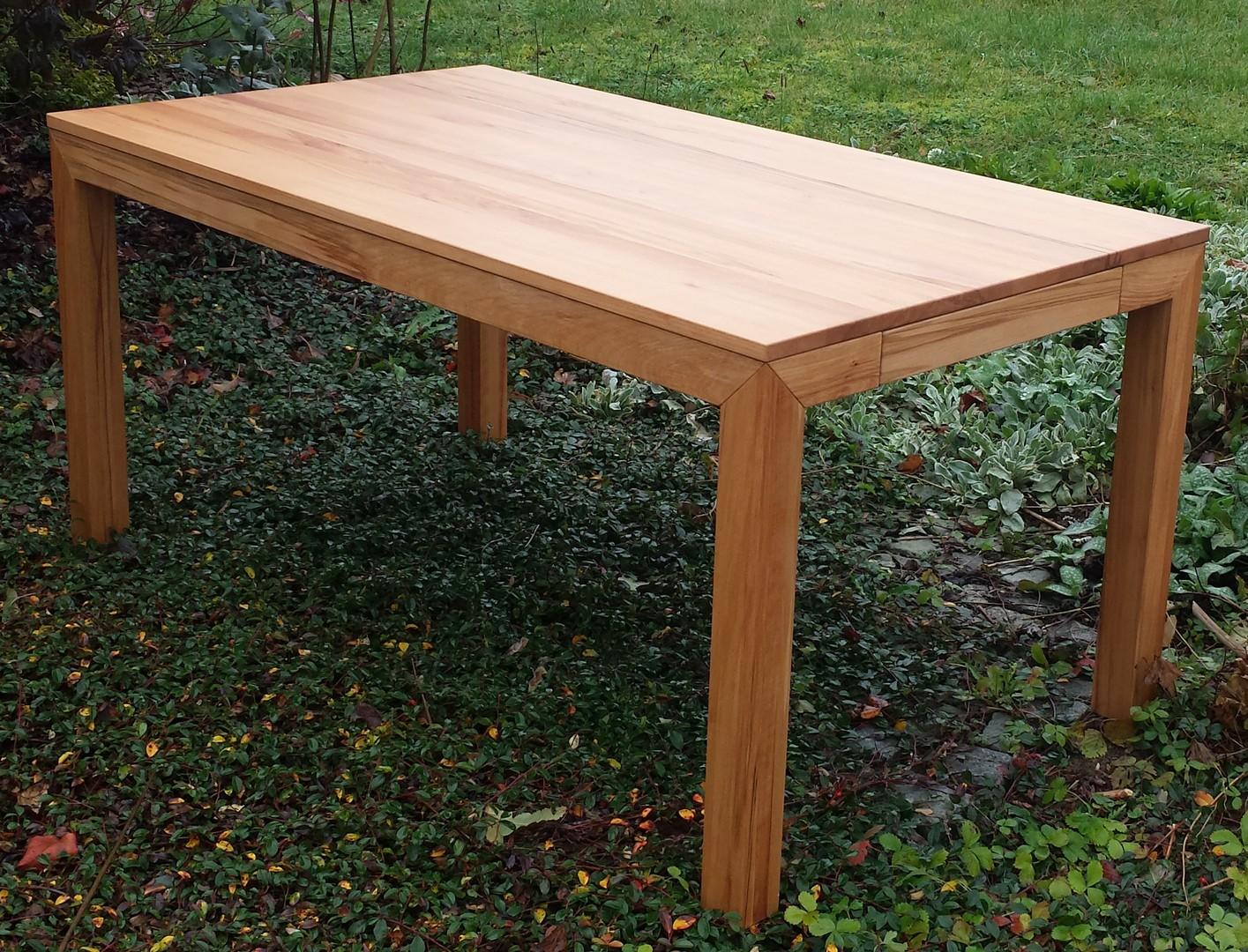 Massivholz tisch l ffler massivholzverarbeitungs gmbh for Tisch design kreuch gmbh
